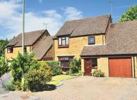 4 bed Link Detached House for sale in Yateley, Hampshire
