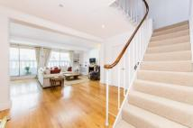 Flat in Queensberry Place, SW7