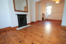 2 bed Terraced property in Hunter Street...