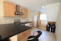 Apartment in Farm Drive, Cyncoed...