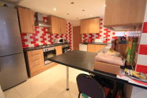 6 bed Ground Flat to rent in Miskin Street, Cathays...