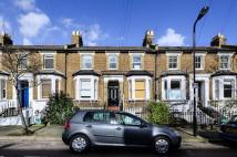 Studio flat in Shakespeare Road, Acton...