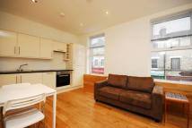 1 bedroom Flat in Askew Road...