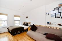 2 bedroom Flat in Alfred Road...