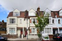 Shinfield Street Flat to rent