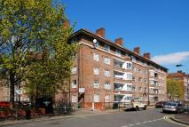 3 bedroom Flat in Lawrence Close...