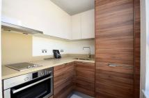 Studio flat to rent in Bromyard Avenue, Acton...