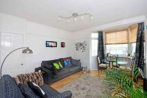 2 bedroom Flat in Becklow Gardens, London...