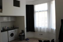 1 bedroom Flat to rent in Bounds Green Road...