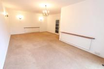 3 bed Flat in Holden Road, London, N12
