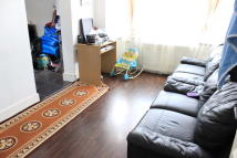 Flat in Beaumont Avenue, Wembley...