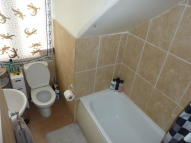 1 bedroom Flat in Eversley Park Road...