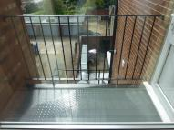 2 bed Flat in Cockfosters Road, Barnet...