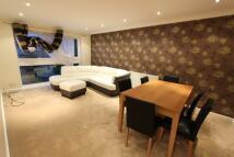 Apartment in Etchingham Park Road...