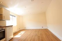 Apartment to rent in Chase Side, London, N14
