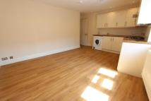 2 bed Apartment to rent in Chase Side, London, N14
