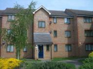 2 bed Flat in Chantress Close, Dagenham