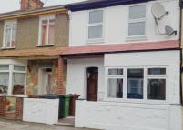 4 bed Terraced house to rent in Essex Road, Barking