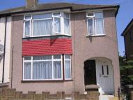 1 bedroom home in Beamway, Dagenham