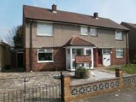 4 bed semi detached house to rent in Newhouse Avenue, Romford