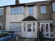 3 bed Terraced house to rent in Western Avenue, Dagenham