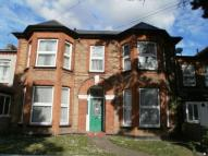 Eastwood Road Flat to rent