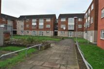 1 bedroom Flat to rent in Ibscott Close, Dagenham