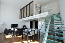 2 bedroom Apartment in Craven Hill Gardens...