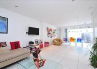 property to rent in Huntingdon Street, Islington, London, N1
