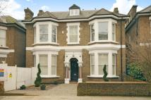 Flat to rent in Woodchurch Road South...