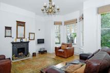 Flat to rent in Maygrove Road West...