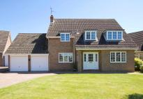 4 bedroom Detached home in 11 Holme Close...