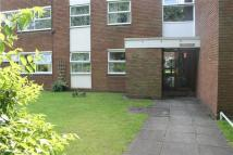 2 bed Apartment in Warren Farm Road...
