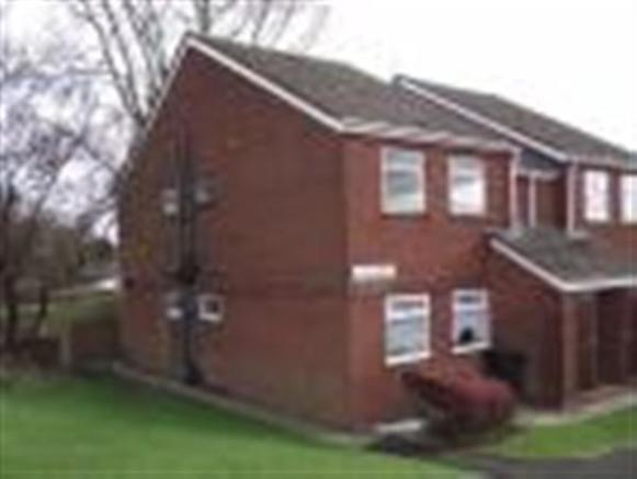 bedroom apartment to rent in austin house cradley road dudley dy2