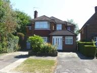 4 bedroom Detached home in Edgwarebury Lane...