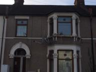 1 bed Ground Flat in Milverton Gardens...