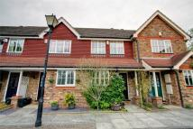 2 bedroom Terraced property in Duxberry Close, Bickley...