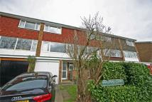Town House to rent in Southlands Grove...