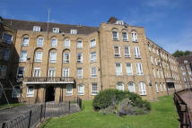 4 bed Flat to rent in Watts Street, London, E1W