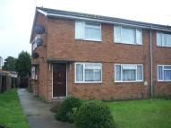 2 bed Maisonette in Peninsular Close, Bedfont