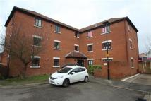 Apartment to rent in Tawny Close, Feltham