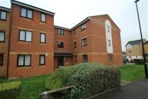 2 bedroom Apartment in Redford Close, Feltham