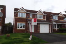 4 bedroom house to rent in Railway Close...