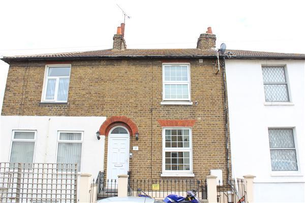 2 bedroom maisonette for sale in peacock street gravesend for G kitchen gravesend