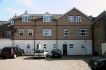 Flat to rent in Turners Hill, Cheshunt...