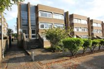 Flat in SHAWLANDS - Huntly Court...