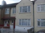 Apartment to rent in De'Arn Gardens, Mitcham...