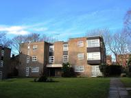 Flat to rent in ROBINWOOD COURT, Leeds...