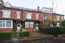 9 bedroom Terraced property in Kirkstall Lane...