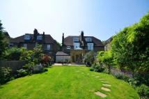 6 bed Detached property in London